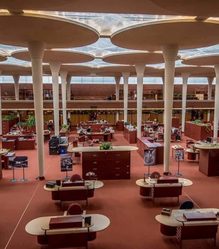The SC Johnson Administrative Building in Racine is characterized by these giant dendriform columns resembling lily pads. Donnie Sexton photos.