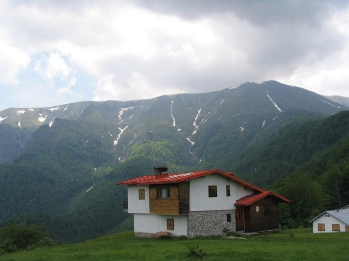 The area around Apriltsi offers modern, clean and comfortable chalets