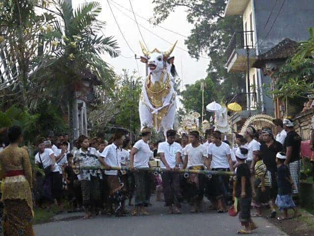 Procession to cremation ground. Ubud, Bali.