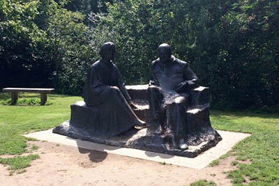 A statue of Churchill and his wife Clementine.