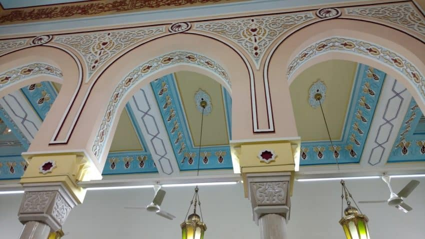 Jumeirah mosque arches