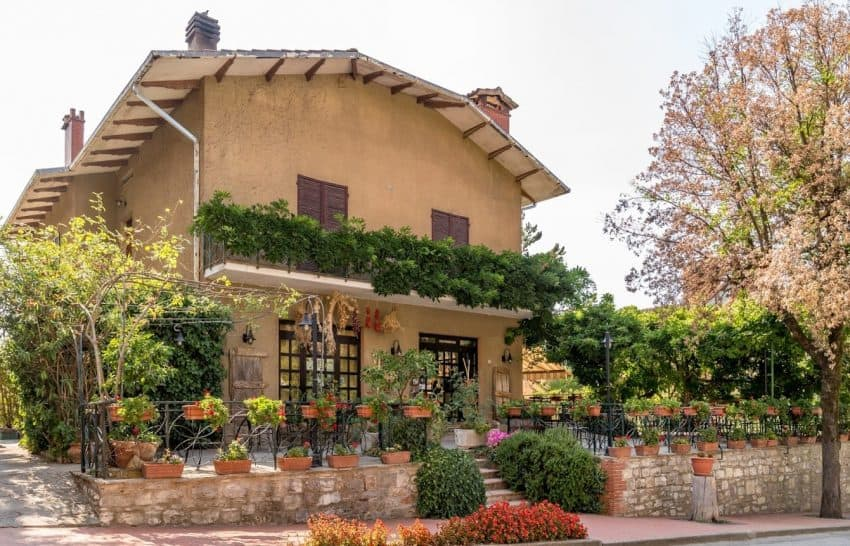 In the heart of Paciano, Italy is the quaint local restaurant l'Oca Bruciata