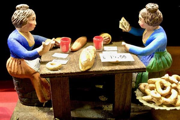 11.-Handcarved-women-playing-cards