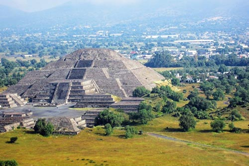 The Pyramid of the Moon from atop the Pyramid of the Sun - Teohuatiacan