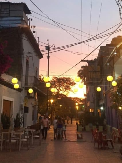 Parque de los Novios offers some great nightlife and eating options.