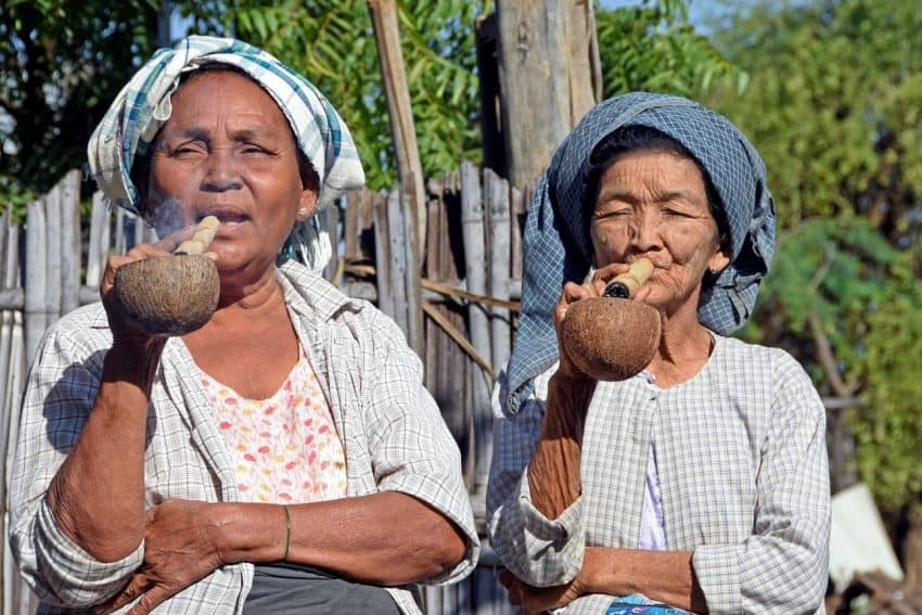 Cheroot smoking - Minnanthu Village