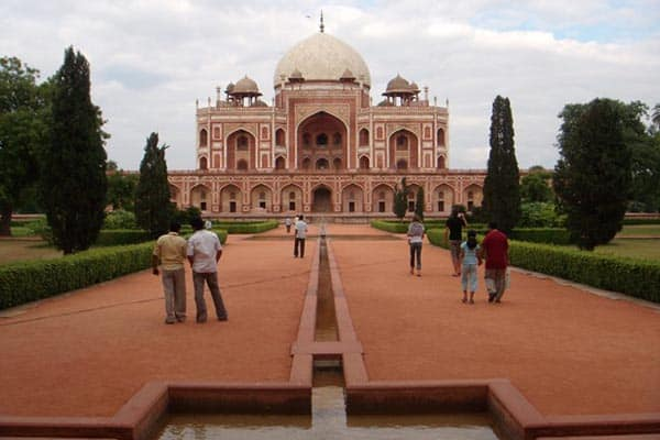 India: Exploring the World of the Mughal Empire in Delhi