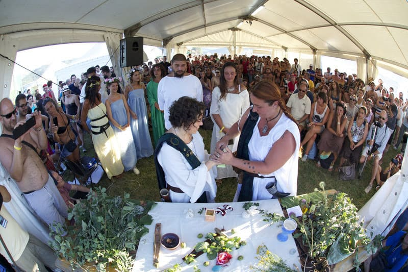 More than a few couples enjoyed a Celtic wedding at the Celtic festival in Montelago, Italy