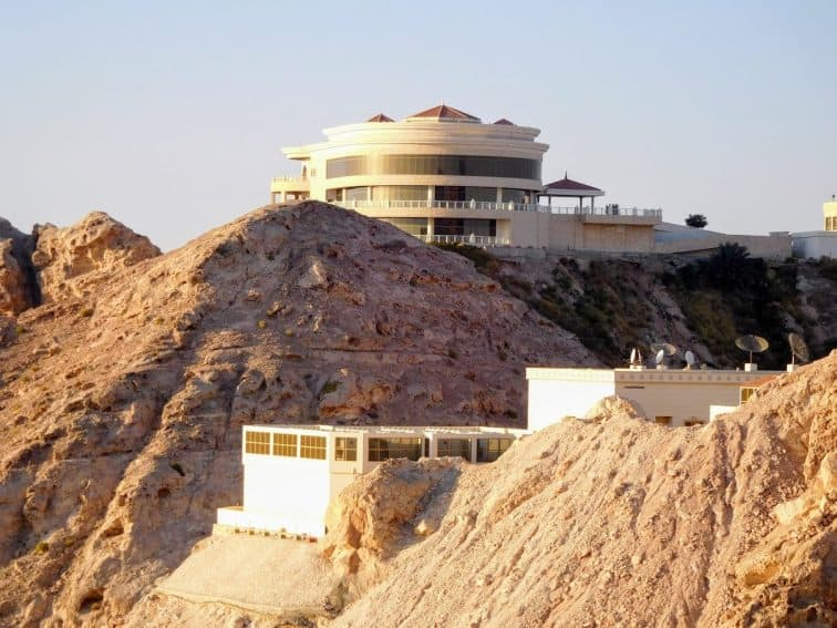 Luxury Hotel near the summit of Jebel Hafeet. | GoNOMAD Travel