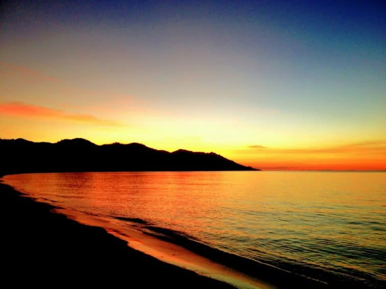 Sunset over Horseshoe Bay, Magnetic Island Queensland, Australia. Helen Downs photos.