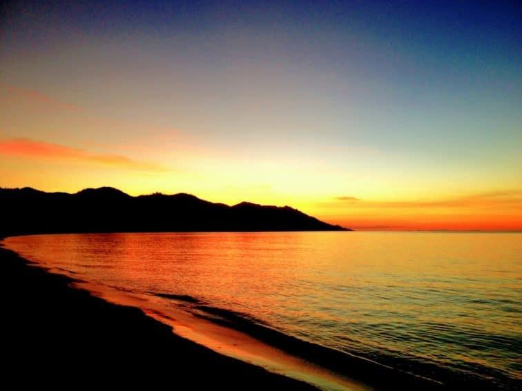 Sunset over Horseshoe Bay, Magnetic Island Queensland, Australia. Helen Downs photos.
