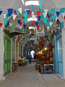 Souks in the Tunis Medina. Photo from Pixabay.