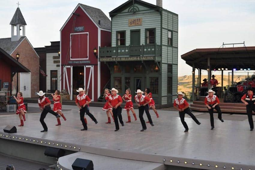 Burning Hill Singers in the Medora Musical | GoNOMAD Travel