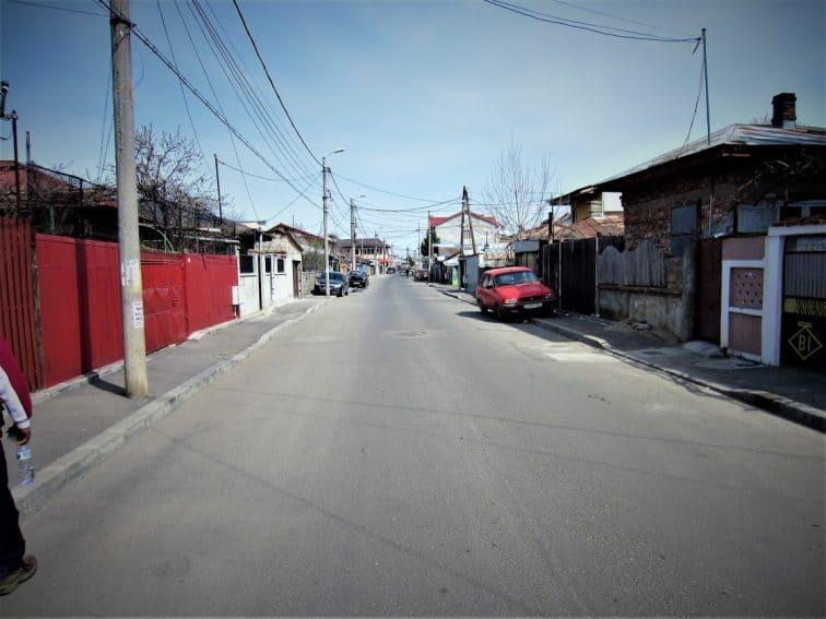 Walking through Ferentari, reputedly the most dangerous neighborhood in Bucharest | GoNOMAD Travel