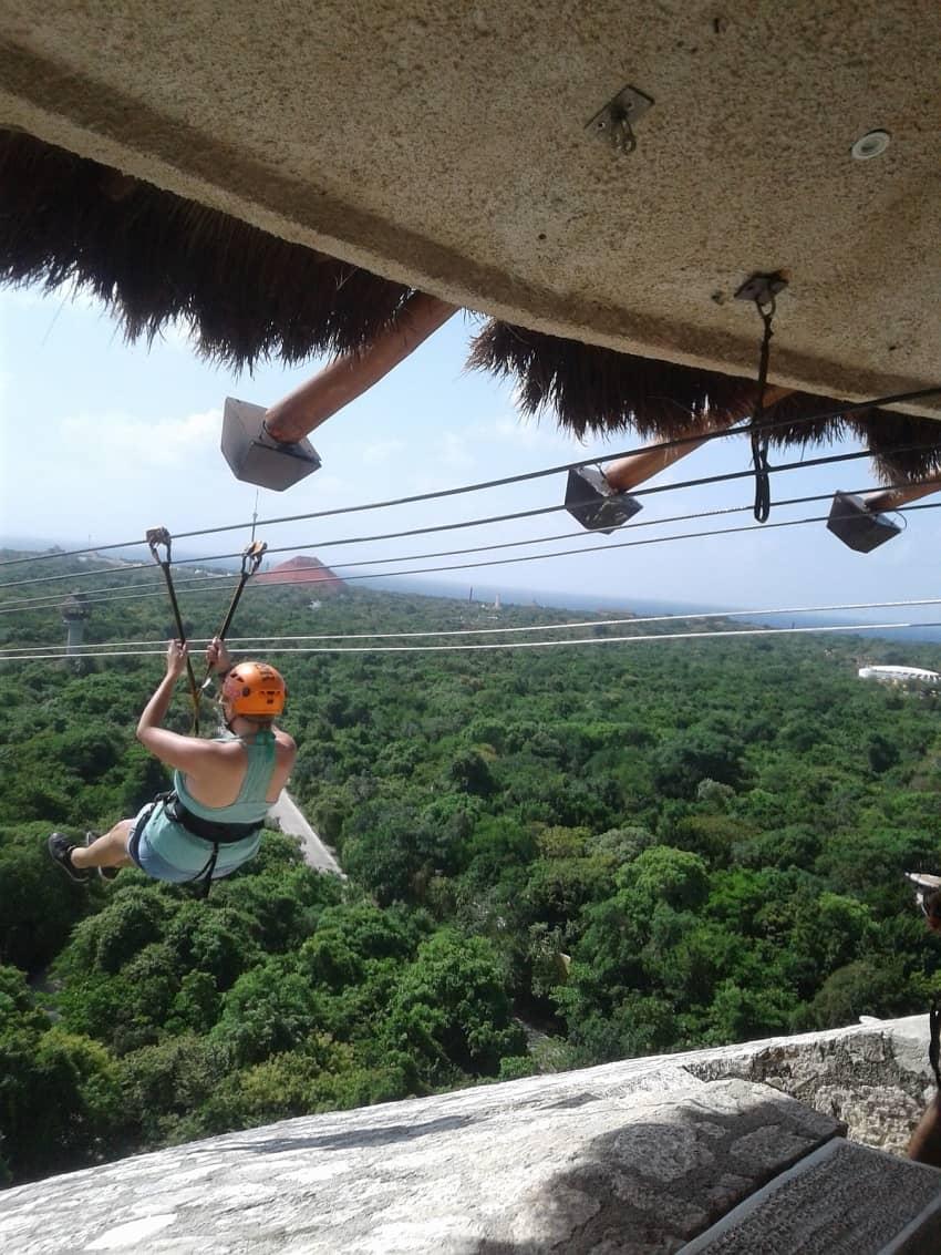 Ziplining in Cancun. Richard Frisbee photos.