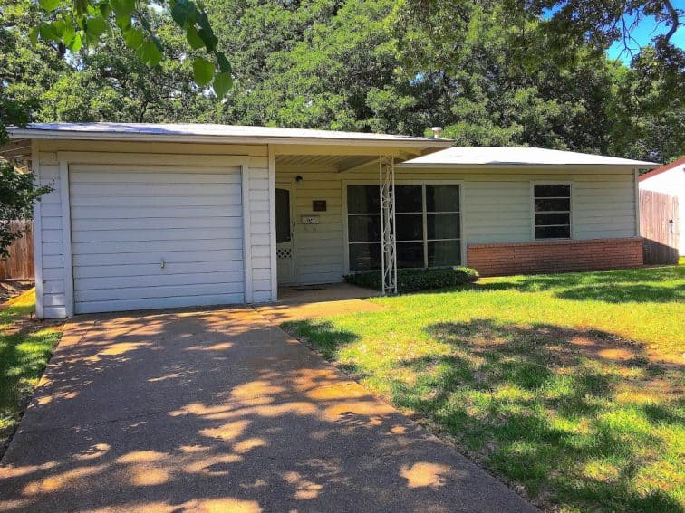 The home where Lee Harvey Oswald stayed with his family before the assassination is now a museum.