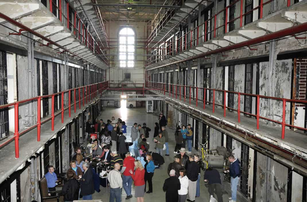 Guests on a tour at the Missouri State Penitentiary.