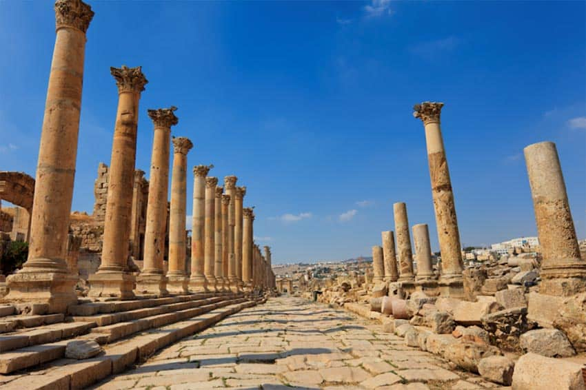 The Cardo Maximum at Jerash, Jordan. Lindsay Nieminen photos.