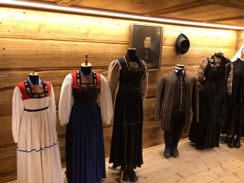 Period clothing from the oldest days of Schwarzenberg at the Angelika Kauffmann Museum.
