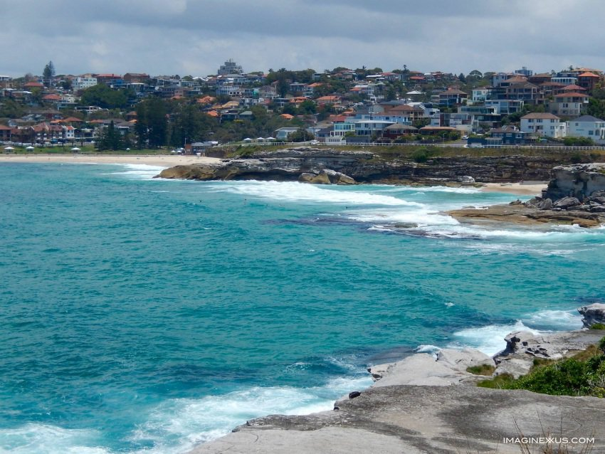 Day-trippers to Sydney's famous Bondi Beach are rewarded with stunning views overlooking the ocean on an easy walk from Bondi to Bronte.