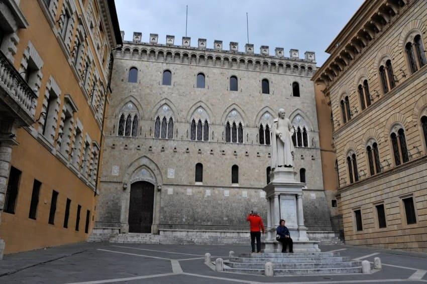 Renaissance courtyard Sienna