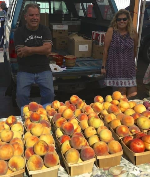Peaches at the Santa Fe Farmers Market.