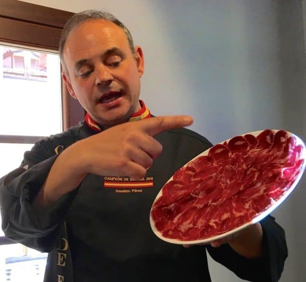 A champion ham carver in Salamanca.