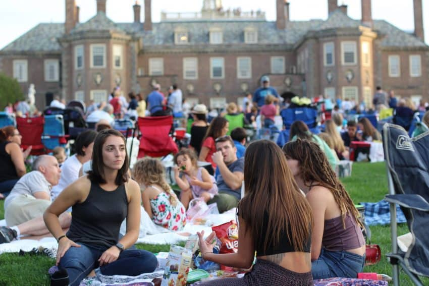 People travel to enjoy a picnic at Thursday night Castle concert.