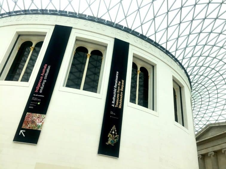 A skylight ceiling of the British Museum lobby.