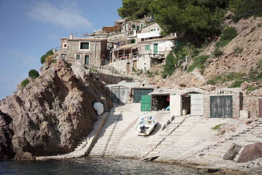 The beautiful Port d'Estaca, with a beautiful natural swimming pool where you can snorkel.