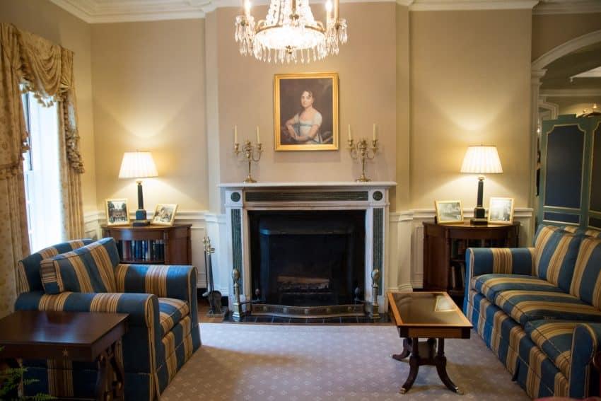 The lobby at the Williamsburg Inn
