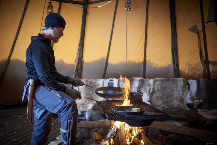 Cooking lessons using foraged plants and other native foods are part of this Arctic Experience.