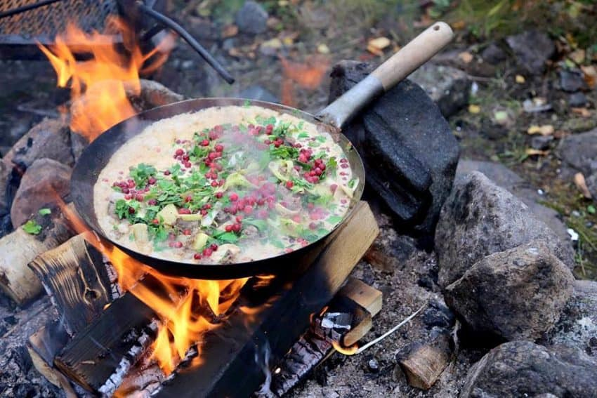 The traditional meals include using local fresh ingredients such as berries, mushrooms, local game meats, and fish.