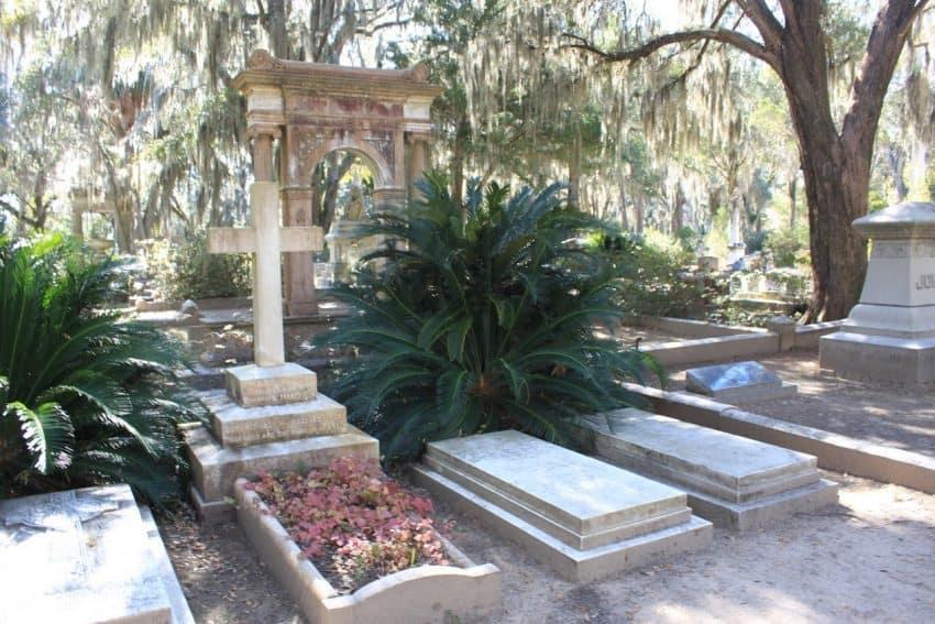 Grave site of Johnny Mercer Savannah GA