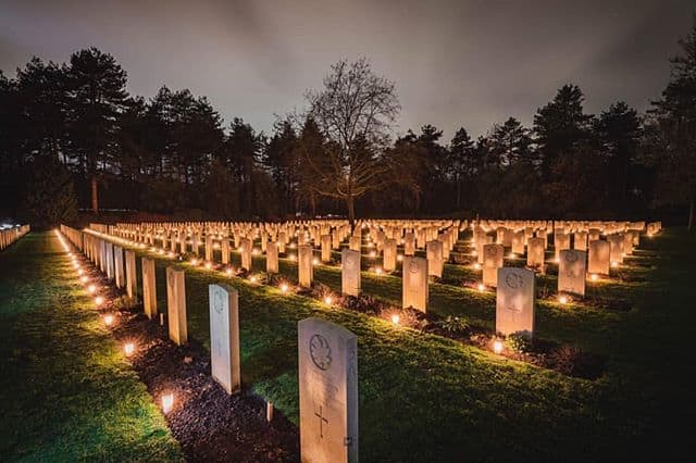 2,400 lit candles at the Canadian and British cemeteries in Bergen op Zoom.