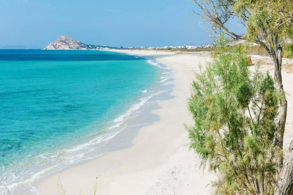 This beach would be even better if it were a nude beach. Greek islands