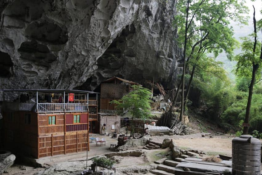 China's Remarkable Guizhou Village and Cavemen