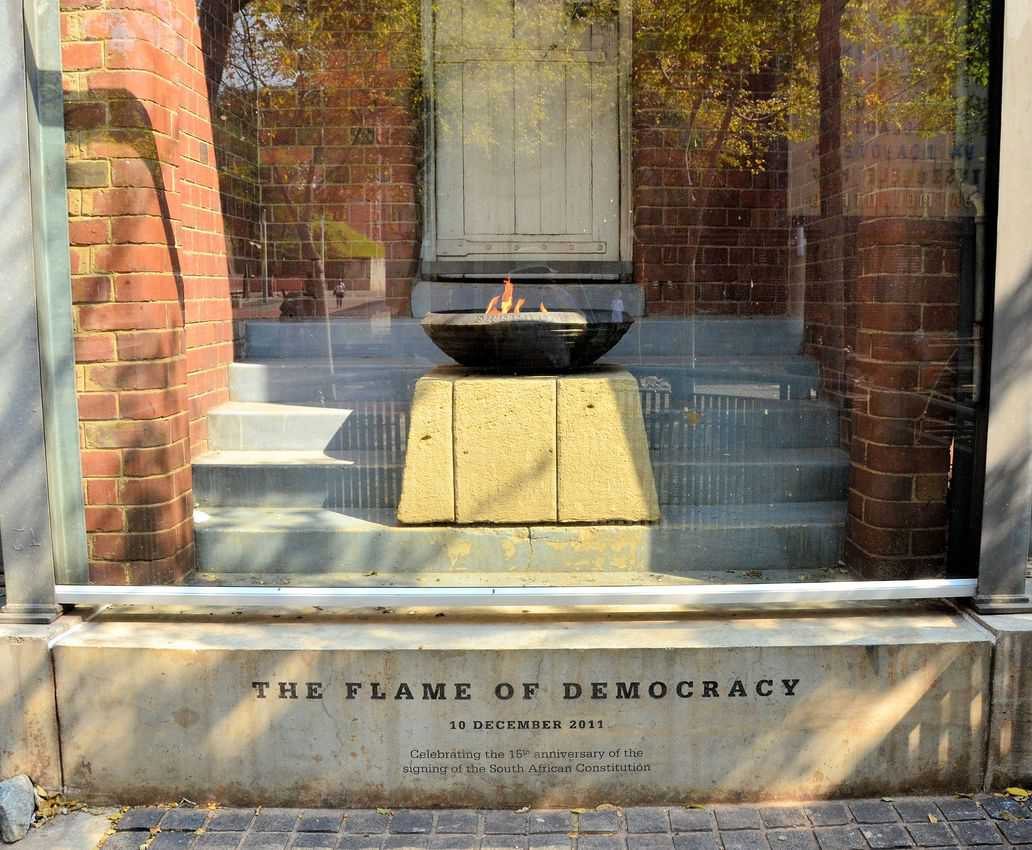 The eternal flame was placed in December 2011 and was lit to celebrate the 15 years since the signing of the Constitution of the Republic of South Africa in December 1996.