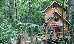 The new Captains Quarters tree house at Ten Acres Treehouse is a must see. (enjoyillinois.com)