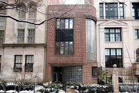 The Florsheim Mansion was named after shoe heiress and sculptor Lillian Florsheim (chicago.turbed.com)