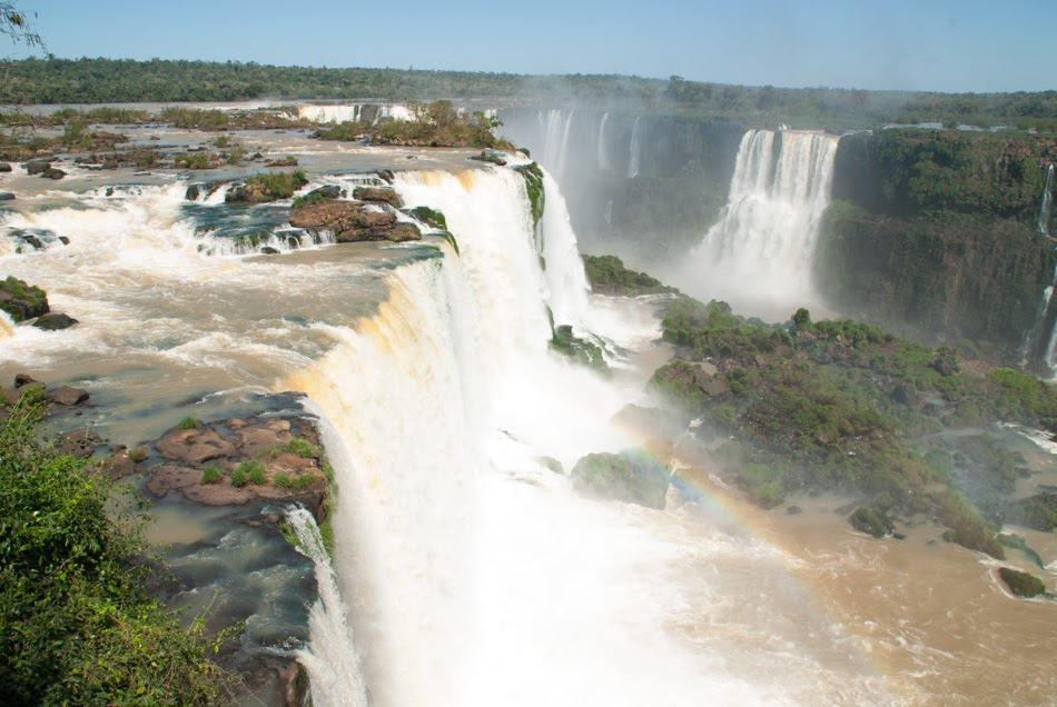 Iguazu Falls, going alone.