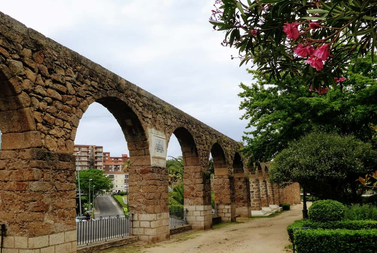 An aqueduct built in the Middle Ages in Extremadura, Spain. Richard Frisbie photo.