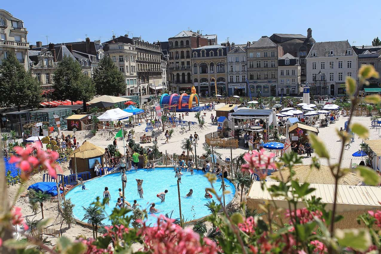 Saint-Quentin creates a beach for its kids every summer on the town square!