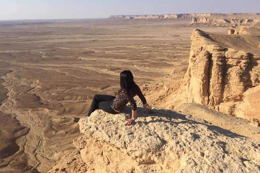 Saudi Arabia as a woman: Trying the feeling to look at the whole desert from the edge of the world. Federica Petrilli photos.