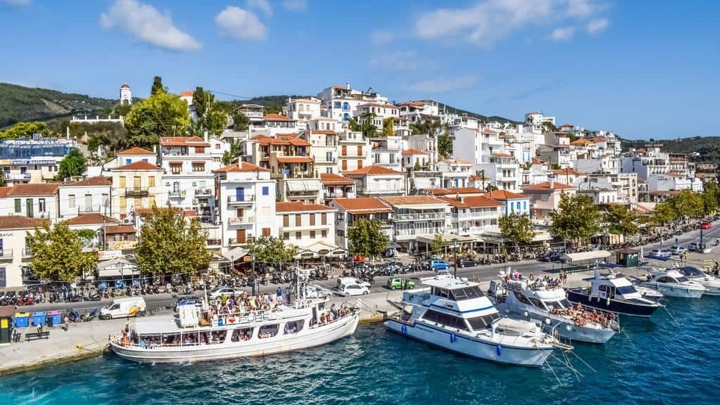 Skiathos, Greece: Bar and Beach Hopping 2