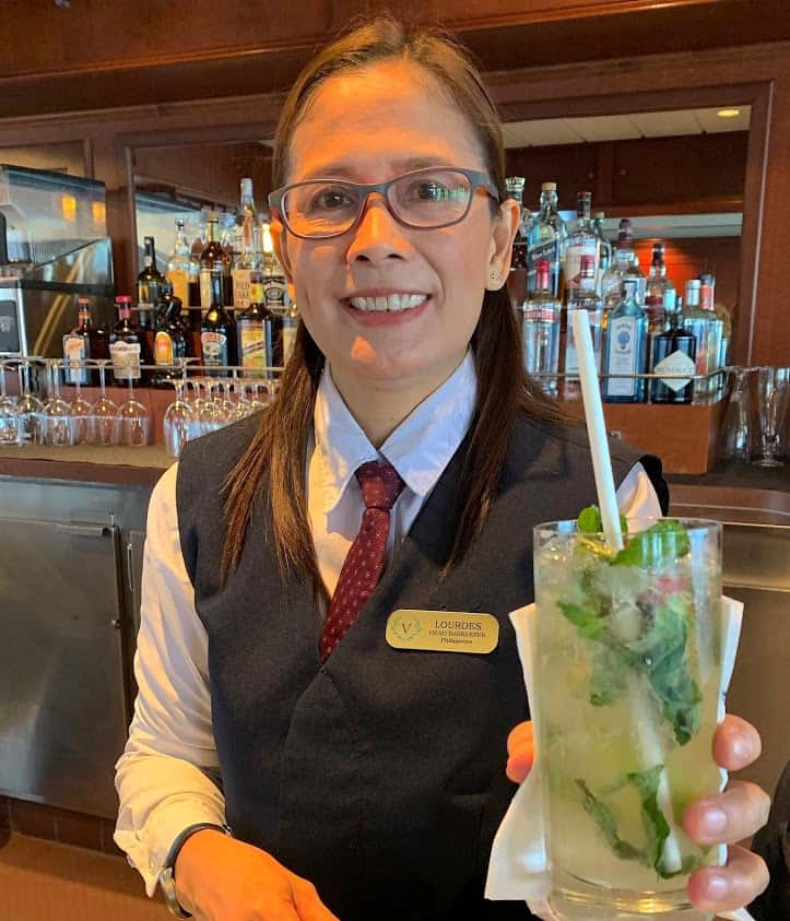 Lourdes is an expert at mixing usual or unusual cocktails.