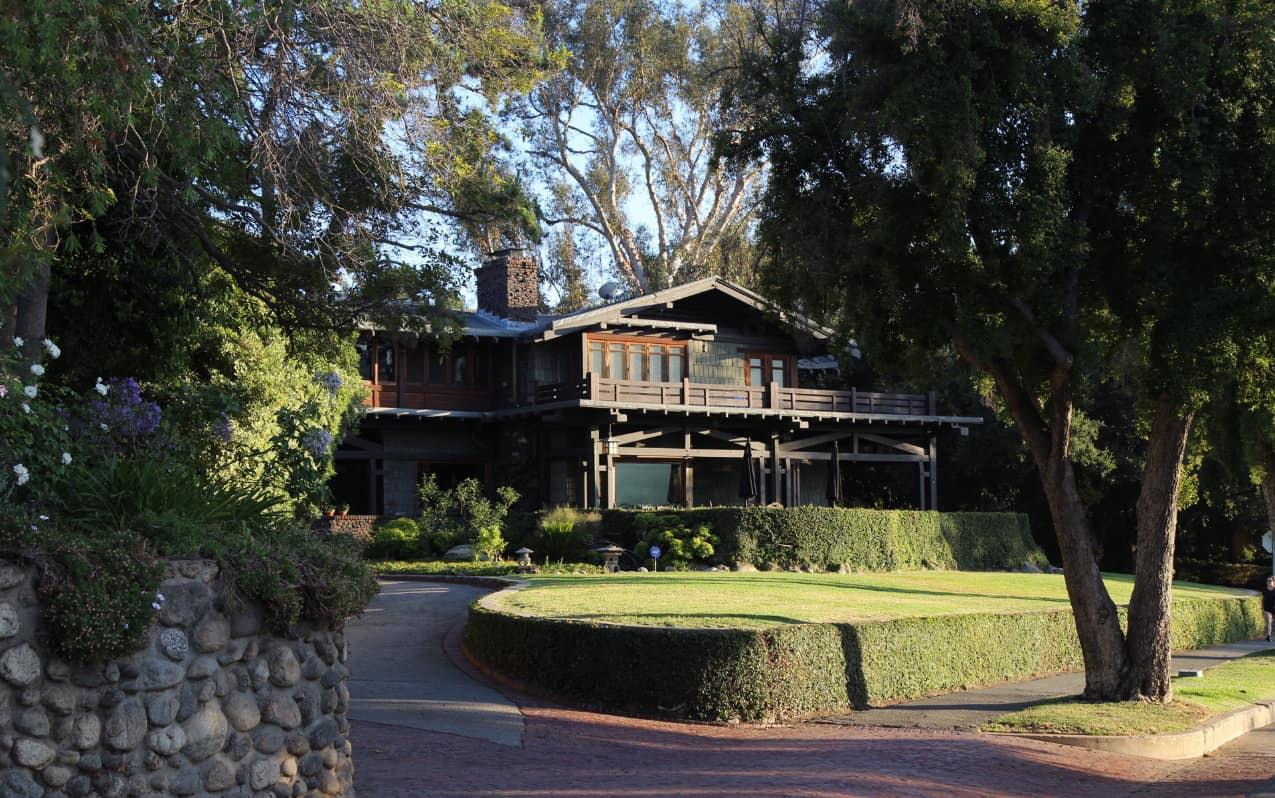Pasadena: Finding Romance in Southern California 1
