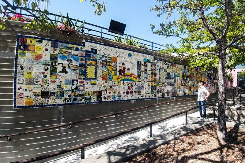 A walking tour of Oakland's street art speaks to bold spirits and outcries for peace.