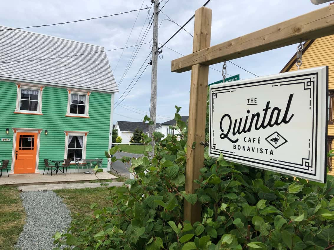 We stopped for lunch at the Quintal Cafe, where they know how to make the best fishcakes we've ever tasted. The secret is bacalau, or salt cod.