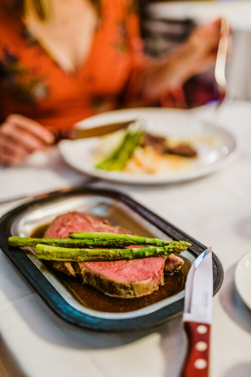 Quinns Prime Rib2 ©Marianne Wiest Photography 1